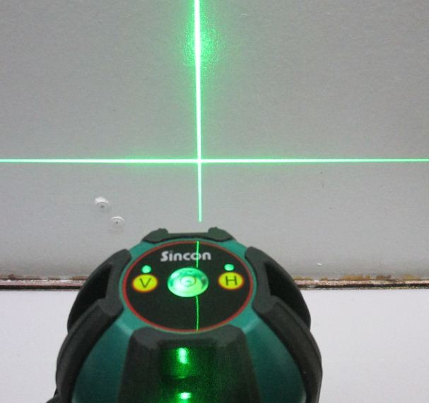 may-thuy-binh-laser-sincon-sl-333g-tia-laser-xanh